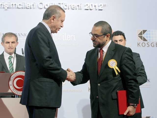 Prime Minister Erdogan congratulates Mr Hakan Altinay on his entrepreneurship